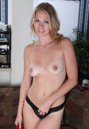 Milf Housewife Small Tits 93