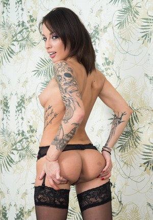 MILF With Tattoo Pics