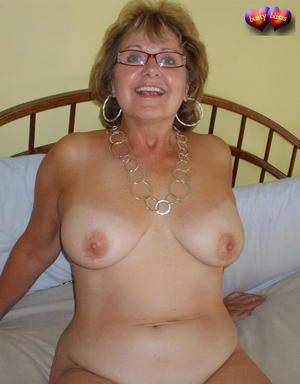 MILF In Glasses Pics